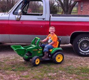 102015_tanner_tractor_525